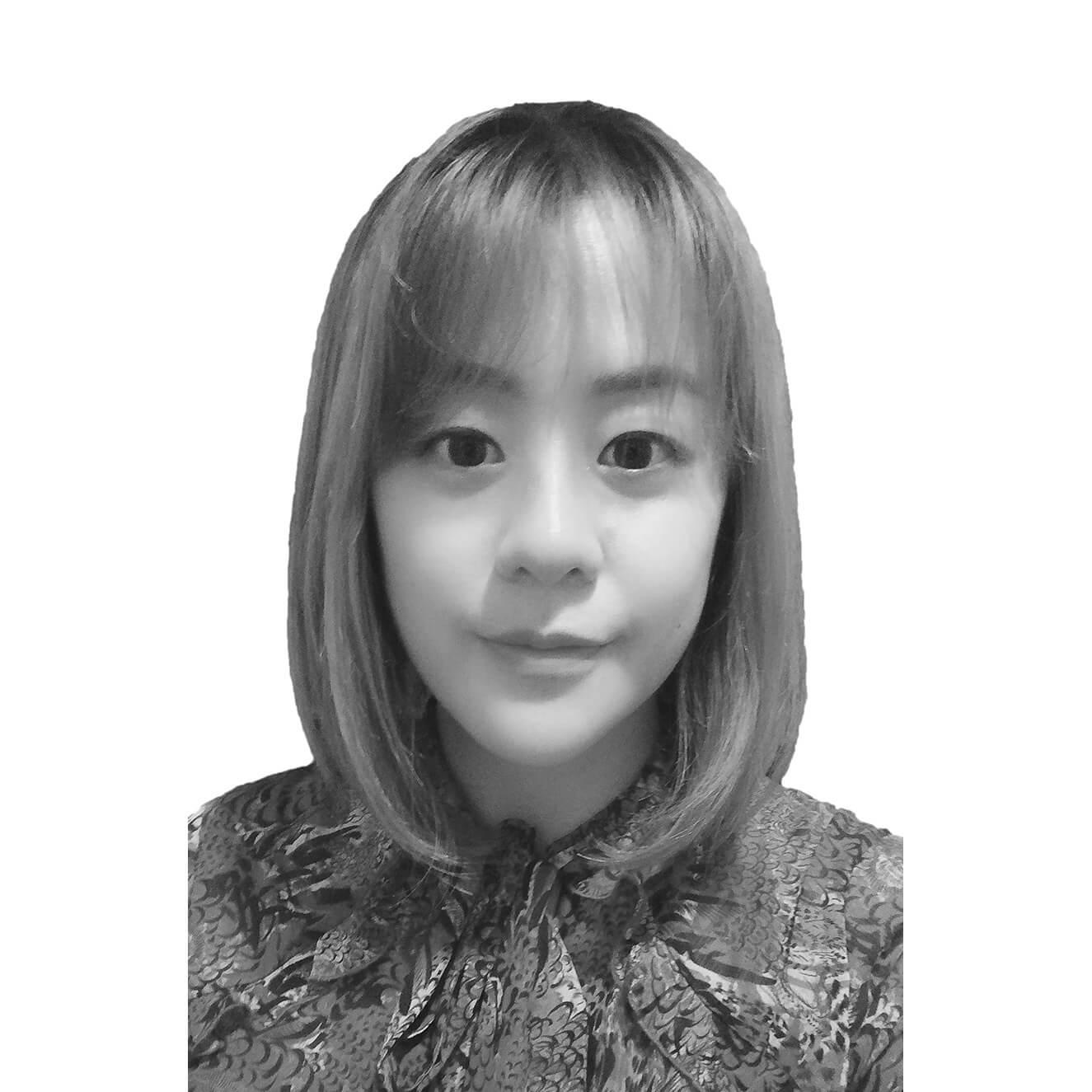 Lina-profile-photo-BW2-1